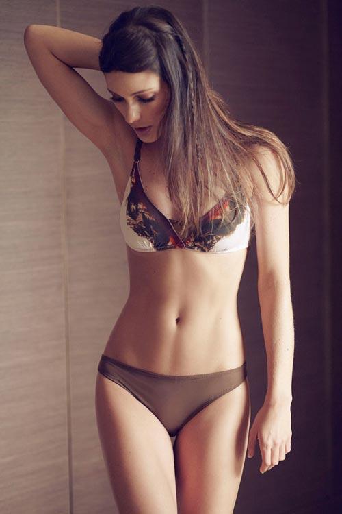 Бесплатное видео онлайн русские девушки меряют нижнее белье фото 82-909